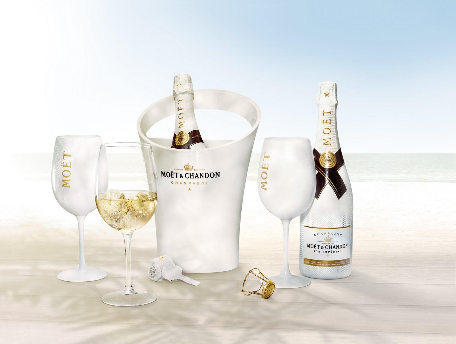 plastic champagne glass moet